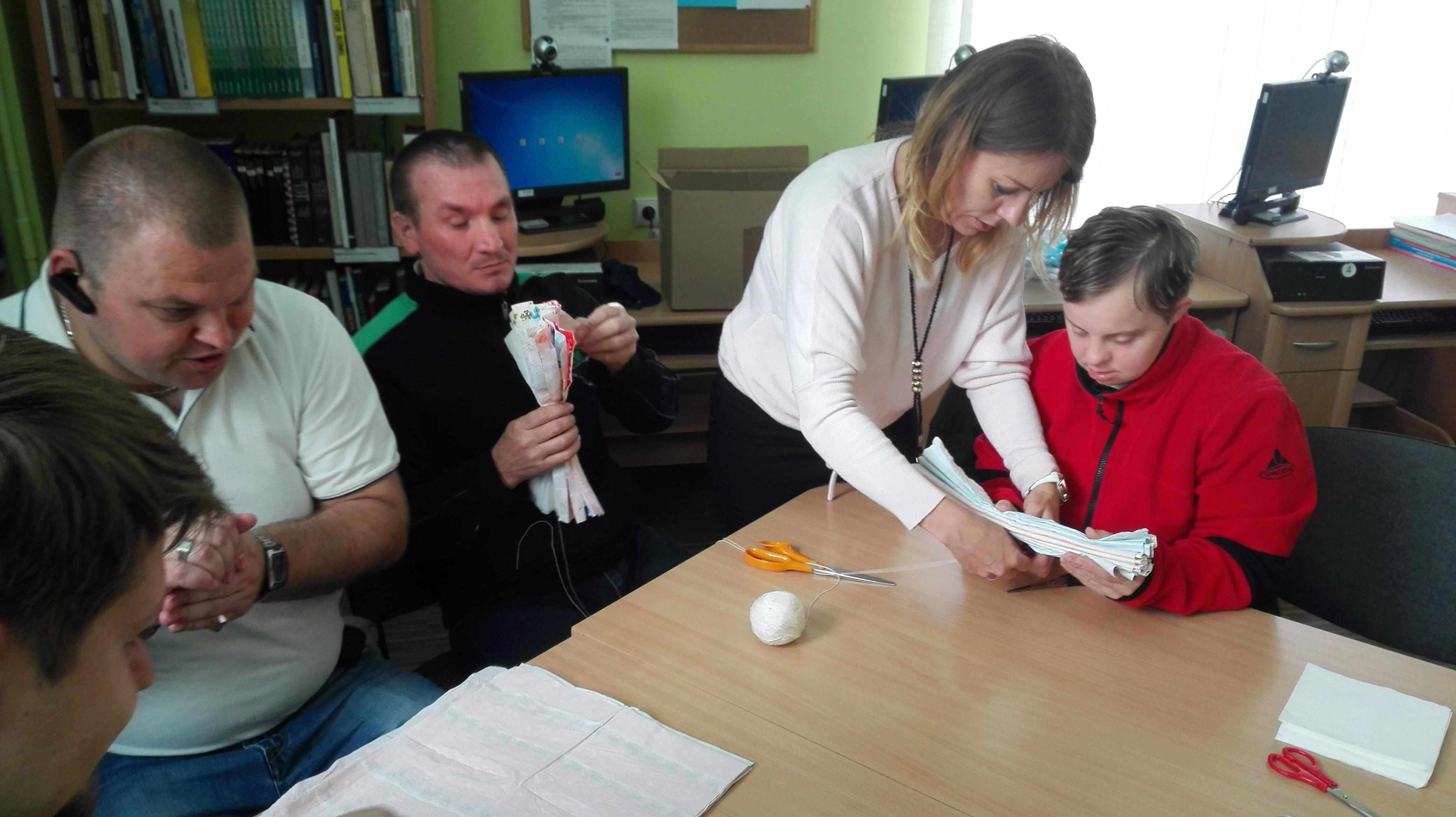 Neįgalieji dalyvavo kūrybinėse dirbtuvėse