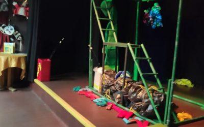 """Šeštadienis kartu su šeima Alytaus lėlių teatro spektaklyje ,,Kontis ir Tvarkius"""""""