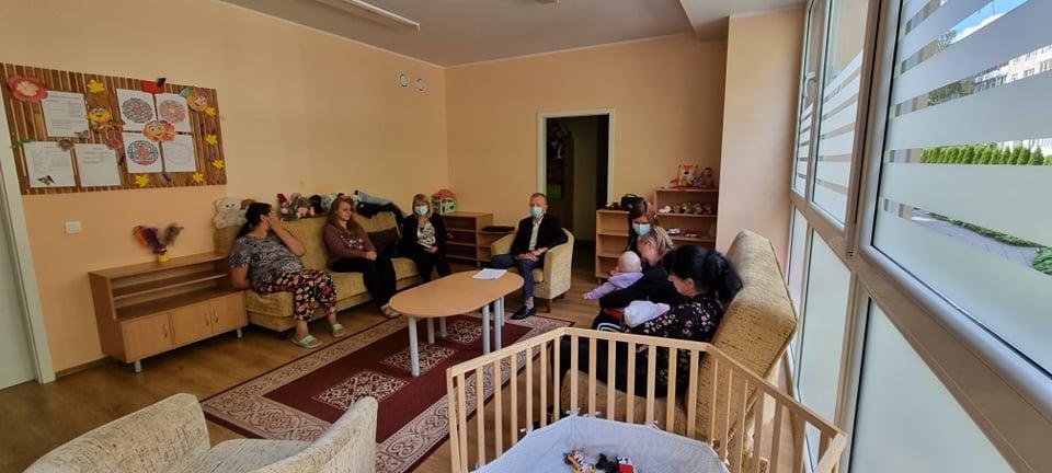 Alytaus miesto vaiko teisių apsaugos skyriaus specialistų apsilankymas šeimos krizių centre